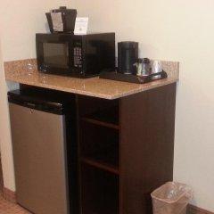 Отель Cobblestone Inn & Suites - Bloomfield удобства в номере