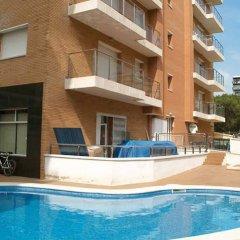Отель PA Villa de Madrid Apartamentos Испания, Бланес - отзывы, цены и фото номеров - забронировать отель PA Villa de Madrid Apartamentos онлайн бассейн фото 3
