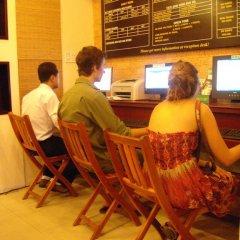 Nhi Trung Hotel интерьер отеля фото 3