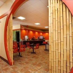 Отель Best Western Plus Dragon Gate Inn США, Лос-Анджелес - отзывы, цены и фото номеров - забронировать отель Best Western Plus Dragon Gate Inn онлайн балкон