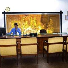 Отель Golden Star Beach Hotel Шри-Ланка, Негомбо - отзывы, цены и фото номеров - забронировать отель Golden Star Beach Hotel онлайн интерьер отеля фото 2