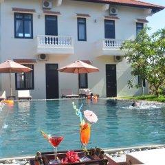 Отель Hoi An Red Frangipani Villa бассейн фото 2