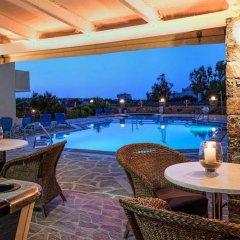 Апартаменты Cretan Family Apartments бассейн