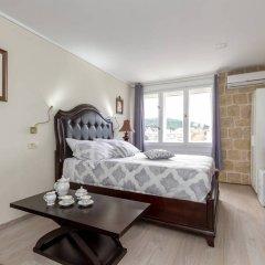 Отель Palace Queen Mary Luxury Rooms комната для гостей фото 2