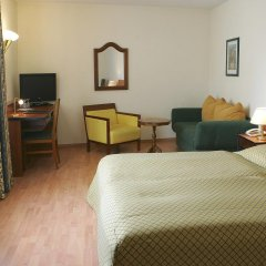 Апартаменты Apartments Deutschmeister комната для гостей фото 3