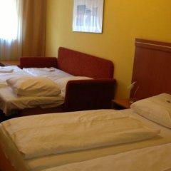 Отель Hamburg Германия, Нюрнберг - отзывы, цены и фото номеров - забронировать отель Hamburg онлайн комната для гостей фото 4
