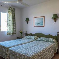Отель Roc Cala D'En Blanes Beach Club Испания, Кала-эн-Бланес - отзывы, цены и фото номеров - забронировать отель Roc Cala D'En Blanes Beach Club онлайн комната для гостей