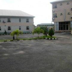 Отель Treasureland Hotel Нигерия, Калабар - отзывы, цены и фото номеров - забронировать отель Treasureland Hotel онлайн вид на фасад