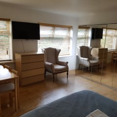 Апартаменты Heathrow LHR Apartments комната для гостей фото 2