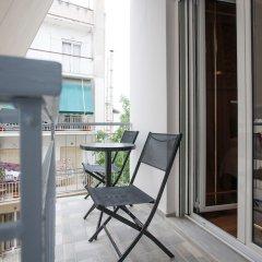 Апартаменты Gold and Blue Luxurious Apartment балкон