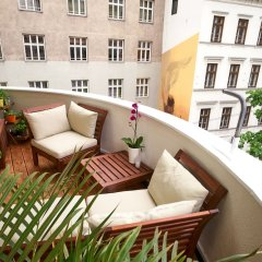 Апартаменты Operastreet.Com Apartments балкон
