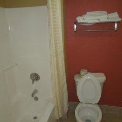 Отель Kozy Inn Columbus Колумбус ванная
