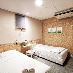 Foresttel Bkk - Hostel Бангкок комната для гостей
