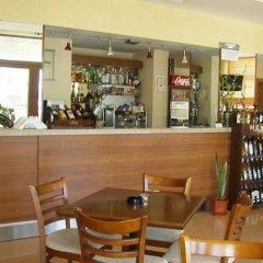 Отель Adamo Hotel Болгария, Варна - отзывы, цены и фото номеров - забронировать отель Adamo Hotel онлайн гостиничный бар