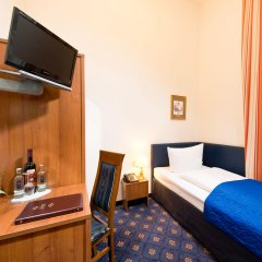 Zarenhof Berlin Mitte Hotel & Apartments Берлин сейф в номере