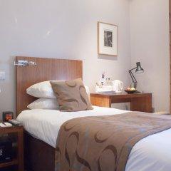 54 Queens Gate Hotel сейф в номере