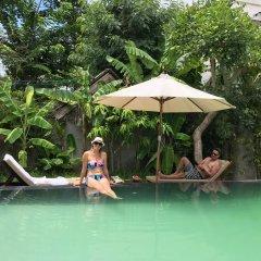 Отель Palm View Villa бассейн