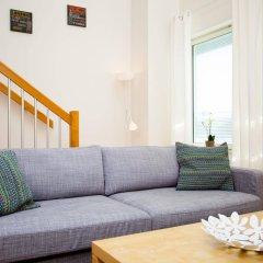 Отель Apartdirect Hammarby Sjostad Стокгольм комната для гостей фото 2