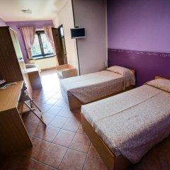 Отель Campo Base Монжове комната для гостей
