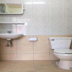 Отель Surasak Center Sri Racha ванная