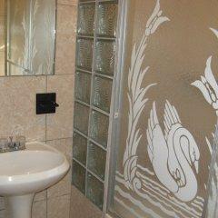 Отель Executive Shaw Park Guest House Ямайка, Очо-Риос - отзывы, цены и фото номеров - забронировать отель Executive Shaw Park Guest House онлайн ванная