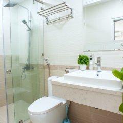 Отель TRIIP Orion 416 Apartment Вьетнам, Хошимин - отзывы, цены и фото номеров - забронировать отель TRIIP Orion 416 Apartment онлайн ванная