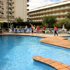 Aqua Hotel Montagut Suites бассейн
