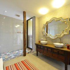 Отель Villa Phra Sumen Bangkok Таиланд, Бангкок - отзывы, цены и фото номеров - забронировать отель Villa Phra Sumen Bangkok онлайн ванная