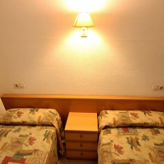 Отель Apartamentos Zodiac Испания, Льорет-де-Мар - отзывы, цены и фото номеров - забронировать отель Apartamentos Zodiac онлайн комната для гостей фото 6