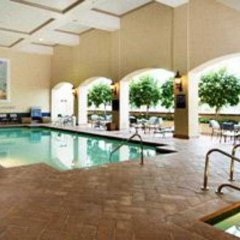 Embassy Suites Hotel Milpitas-Silicon Valley бассейн