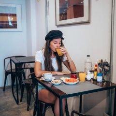 Отель Haus Sathorn 11 Bed & Breakfast Бангкок питание