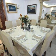Отель Oaza Черногория, Будва - 8 отзывов об отеле, цены и фото номеров - забронировать отель Oaza онлайн помещение для мероприятий