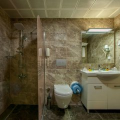 Emin Kocak Hotel ванная