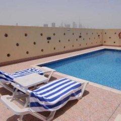 Отель Jormand Suites, Dubai бассейн