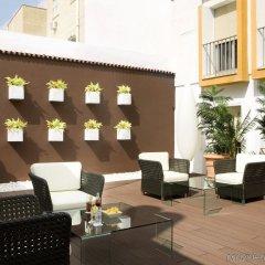 Отель Virgen de los Reyes Испания, Севилья - 2 отзыва об отеле, цены и фото номеров - забронировать отель Virgen de los Reyes онлайн бассейн