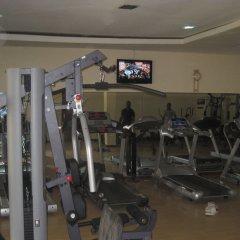Отель Axari Hotel & Suites Нигерия, Калабар - отзывы, цены и фото номеров - забронировать отель Axari Hotel & Suites онлайн фитнесс-зал фото 2
