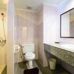 Отель Patong Lodge ванная фото 2