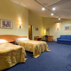 Отель Corvin Hotel Budapest - Sissi wing Венгрия, Будапешт - 2 отзыва об отеле, цены и фото номеров - забронировать отель Corvin Hotel Budapest - Sissi wing онлайн комната для гостей фото 3