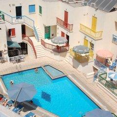 Отель Sea 'n Lake View Hotel Apartments Кипр, Ларнака - 1 отзыв об отеле, цены и фото номеров - забронировать отель Sea 'n Lake View Hotel Apartments онлайн бассейн