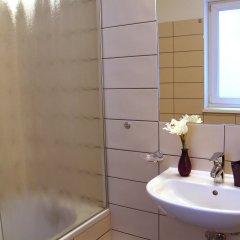 Отель CheckVienna - Maria-Theresien-Strasse Австрия, Вена - отзывы, цены и фото номеров - забронировать отель CheckVienna - Maria-Theresien-Strasse онлайн ванная фото 2