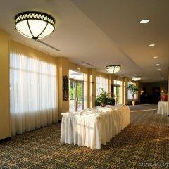 Отель Holiday Inn Raleigh Durham Airport