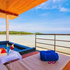 Samui Island Beach Resort & Hotel бассейн