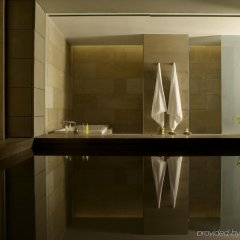 Отель The Lodhi ванная фото 2
