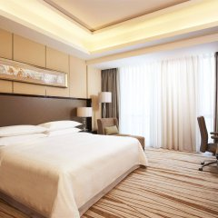 Отель Four Points by Sheraton Langfang, Guan комната для гостей
