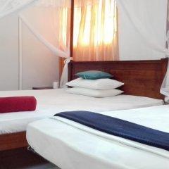 Отель dericks inn комната для гостей