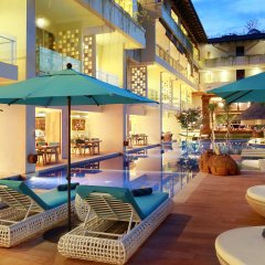 Отель Jimbaran Bay Beach Resort & Spa бассейн