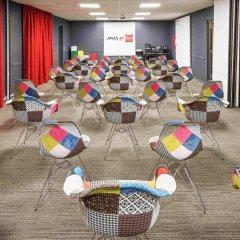 Отель ibis London Luton Airport фитнесс-зал