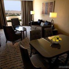 Отель Radisson Blu Hotel & Resort ОАЭ, Эль-Айн - отзывы, цены и фото номеров - забронировать отель Radisson Blu Hotel & Resort онлайн комната для гостей фото 3