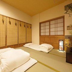 Hostel Komatsu Ueno Station Токио комната для гостей