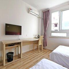 Отель The Phoenix Hostel Shanghai Китай, Шанхай - отзывы, цены и фото номеров - забронировать отель The Phoenix Hostel Shanghai онлайн комната для гостей фото 2